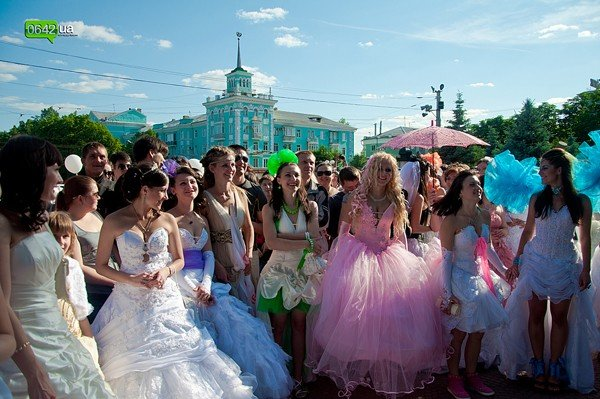 В Луганске прошел «Парад невест 2012» (ФОТО), фото-11