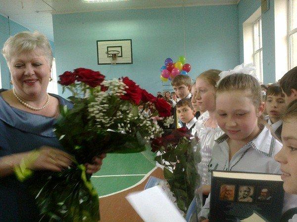 Выпускники школы для детей с заболеваниями сердца получили подарки от ПР, фото-1