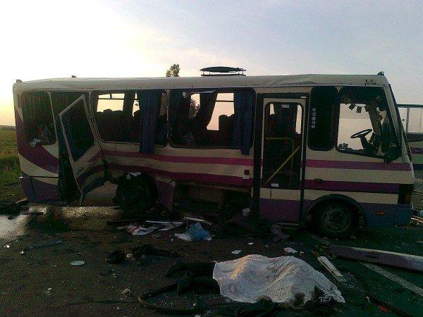 Под Донецком автобус столкнулся с «Вольво» - 3 человека погибли и 12 пострадали (фото), фото-5