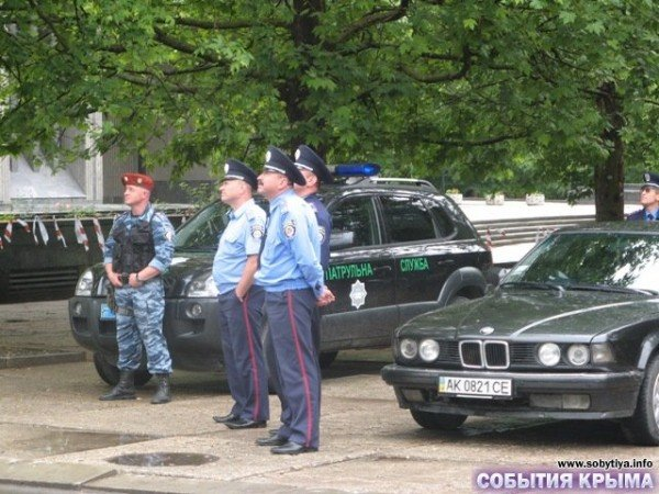 В Симферополе начали демонтаж «стены плача» (фото), фото-8