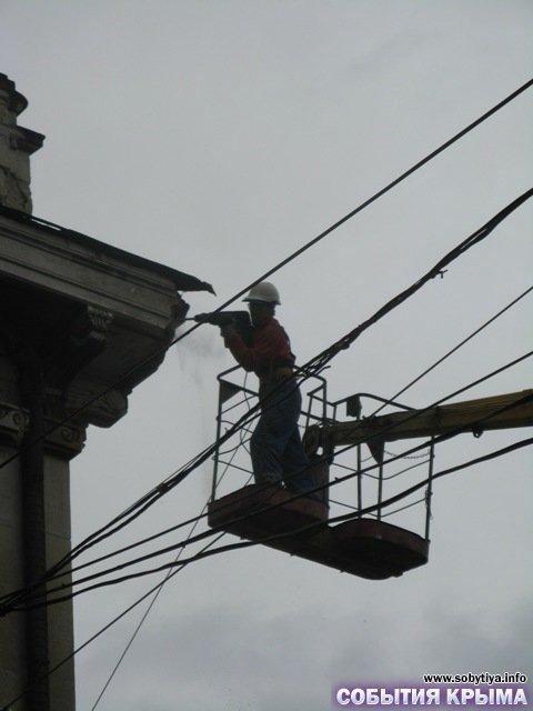 В Симферополе начали демонтаж «стены плача» (фото), фото-10
