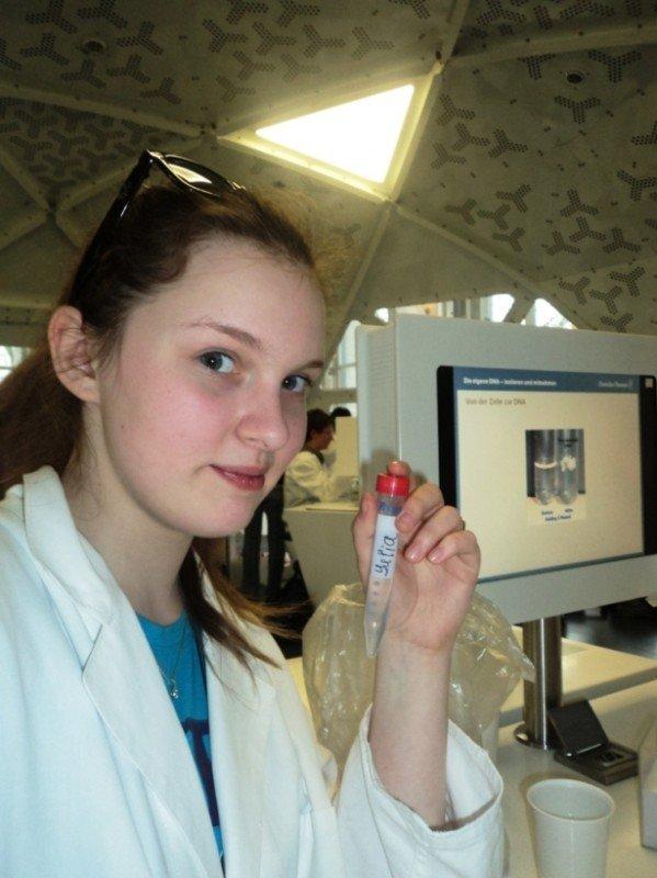 Артемовская школьница в Мюнхене научилась выделять нити ДНК, фото-3