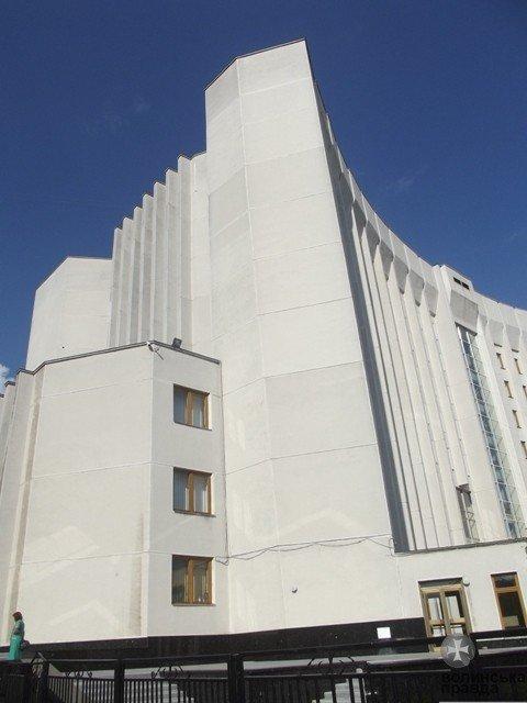 Під «Білим домом» у Луцьку будівельники зведуть буду для собак «дворянської» породи (ФОТО), фото-2