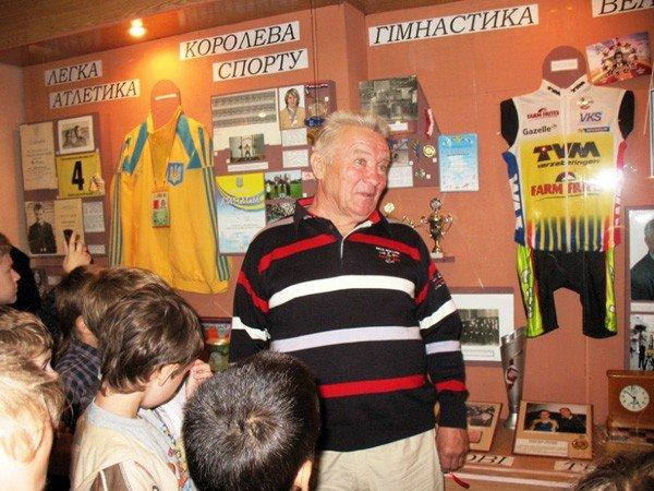 Молодое поколение горловских спортсменов открыло выставку в музее истории, фото-4