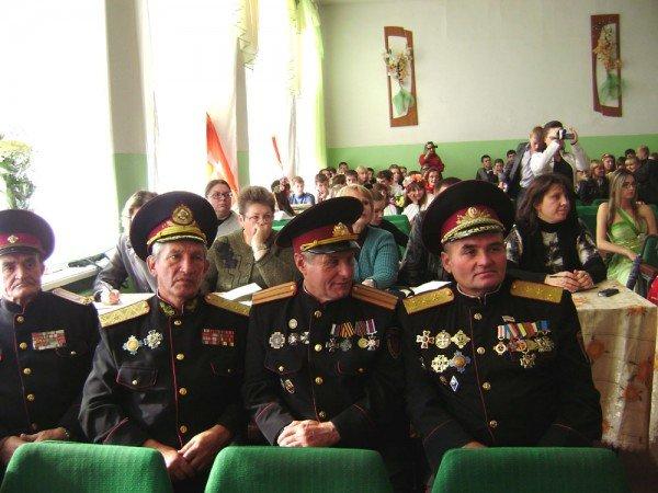Артемовский атаман Александр Галушка считает, что Янукович повернулся к казачеству спиной, фото-3