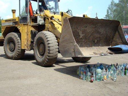 На Житомирщині правоохоронці знищили 120 літрів самогону (ФОТО), фото-11