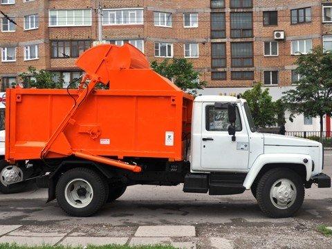 Горловский горсовет приобрел два мусоровоза, фото-1