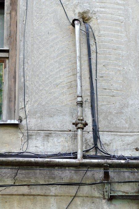 В Симферополе подумают, как убрать уродливые провода провайдеров (ФОТО), фото-1