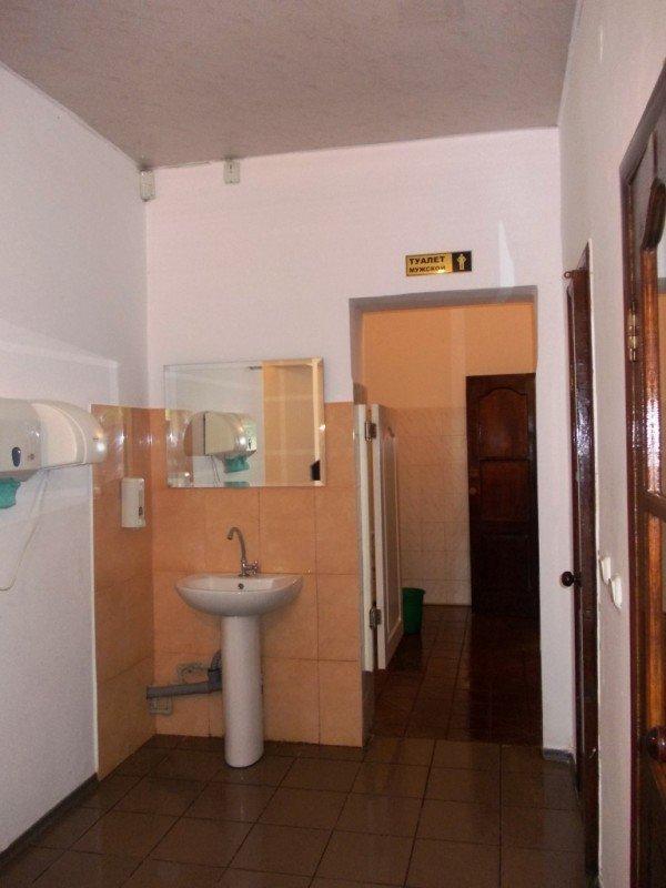 «Райский» туалет в Артемовске стремится оправдать свое название, фото-3