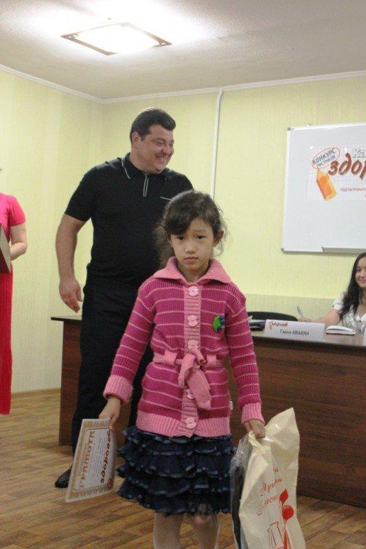 Ксения Линник получила спецприз от Сайта города Артемовска за витаминный натюрморт, фото-2
