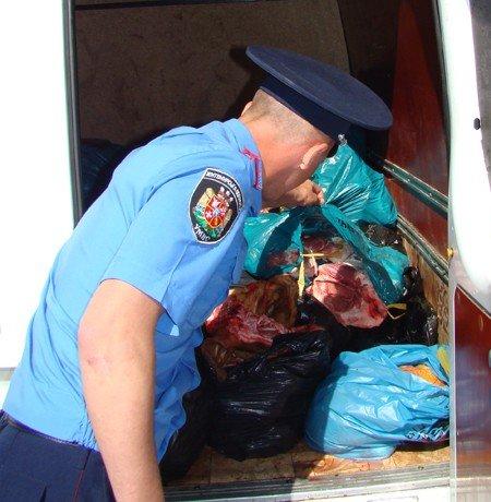 Житомиряни хотіли продати у столиці півтонни м'яса невідомого походження (ФОТО), фото-3