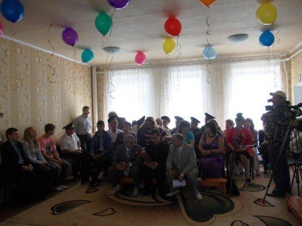 День рожденья в День защиты: в Артемовском доме ребенка отпраздновали 90-летие (ВИДЕО), фото-2
