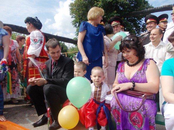 День рожденья в День защиты: в Артемовском доме ребенка отпраздновали 90-летие (ВИДЕО), фото-9