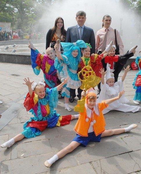 В Луганске празднуют День защиты детей (ФОТО), фото-5