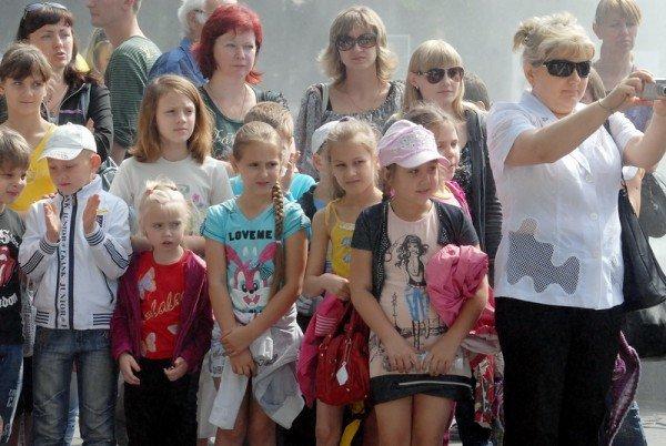 В Луганске празднуют День защиты детей (ФОТО), фото-4