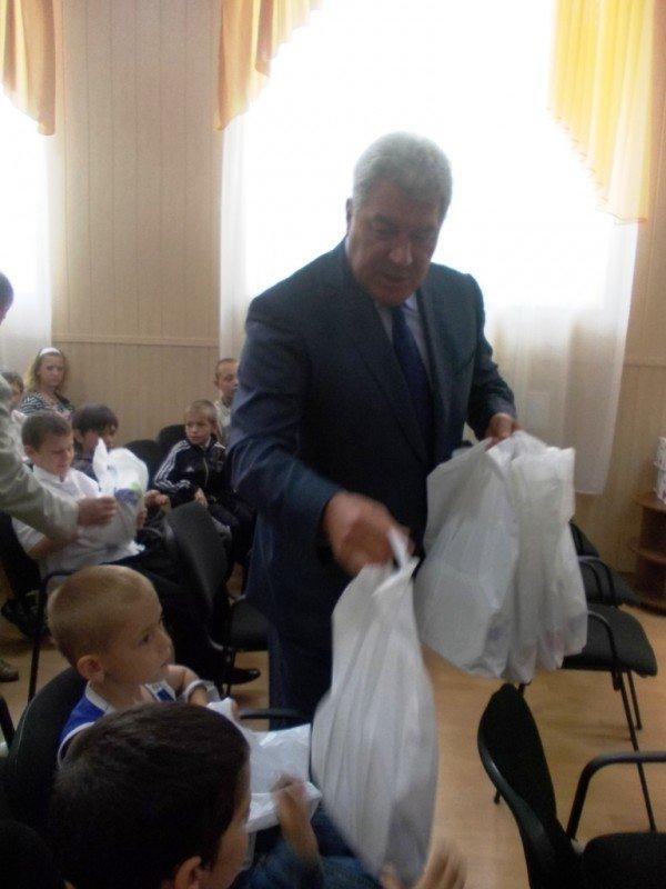 Городской голова Алексей Рева пообещал сделать артемовский интернат лучшим в области, фото-6