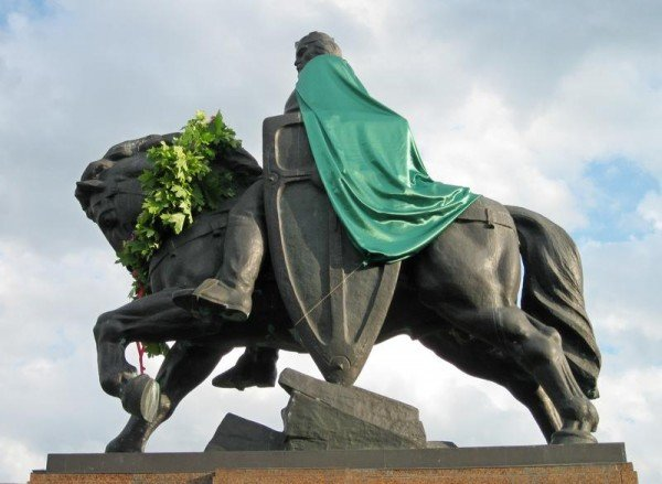 Данила Галицького одягнули в зелену мантію (ФОТО), фото-2