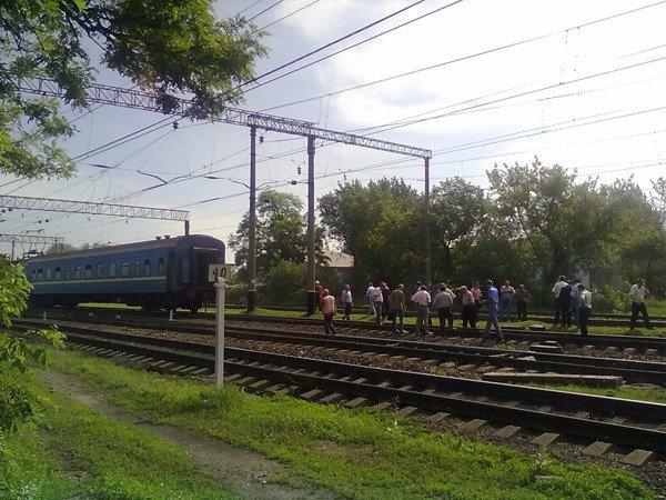 В Горловке пассажирский поезд сошёл с рельс, фото-3