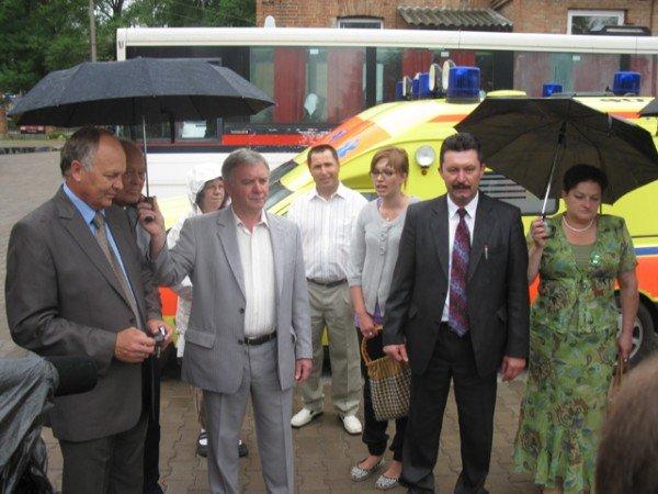 Благодійники із Швеції передали Бердичівській міській лікарні два автомобіля, фото-5