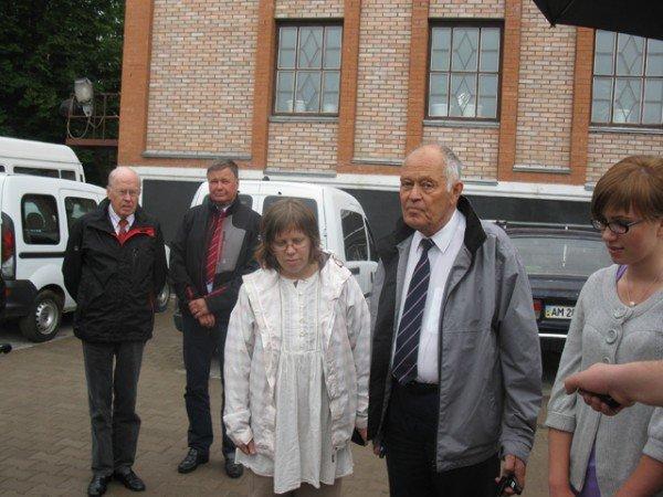 Благодійники із Швеції передали Бердичівській міській лікарні два автомобіля, фото-3