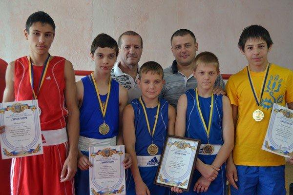 Горловские боксёры привезли «тройную» победу с Чемпионата Украины, фото-1