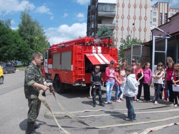 Артемовские школьники отметили День защиты детей под звук пожарной сирены, фото-3