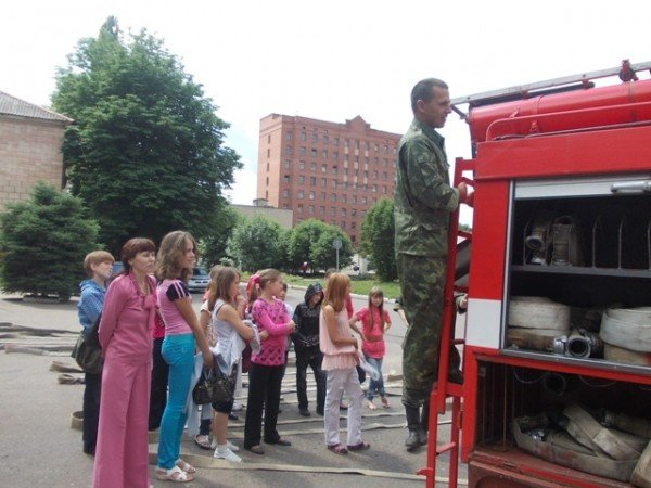 Артемовские школьники отметили День защиты детей под звук пожарной сирены, фото-5