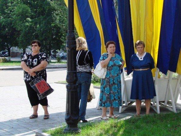 Под стенами Артемовского горсовета снова требовали снизить тарифы. На этот раз на воду, фото-6