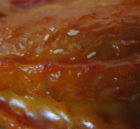 Вагітній тернополянці продали курячі крильця з личинками (ФОТО), фото-1