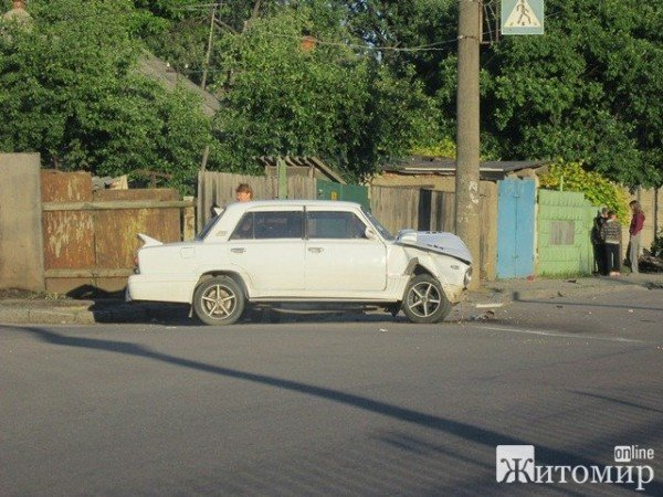 Вчора в Житомирі не розминулися дві автівки (ФОТО), фото-4