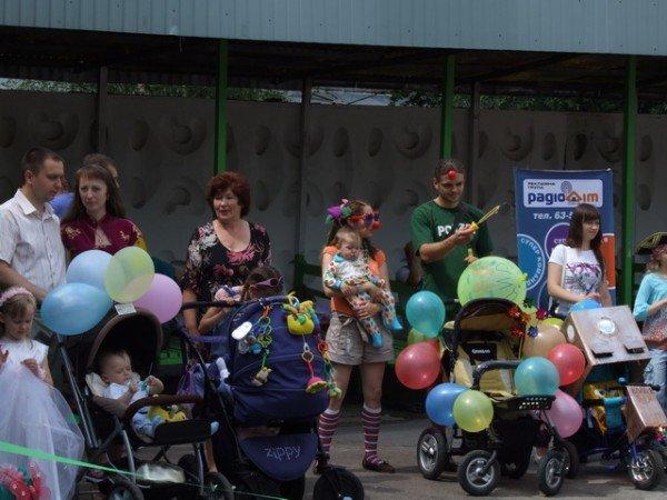 У Рівному відбувся перший парад дитячих візочків (ФОТО, ВІДЕО), фото-2