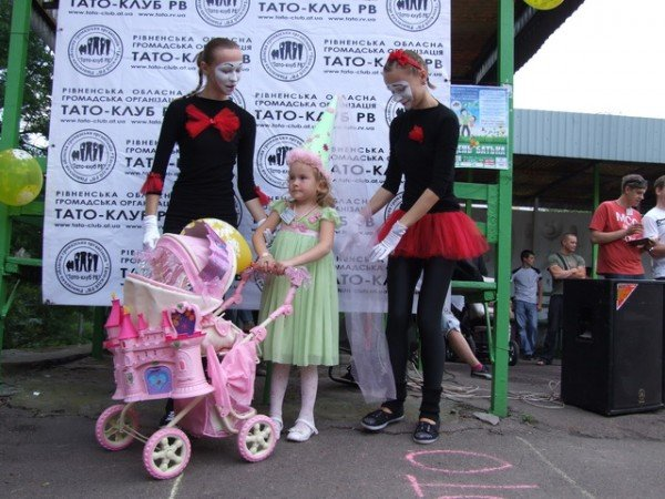 У Рівному відбувся перший парад дитячих візочків (ФОТО, ВІДЕО), фото-13