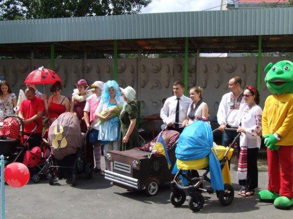 У Рівному відбувся перший парад дитячих візочків (ФОТО, ВІДЕО), фото-4