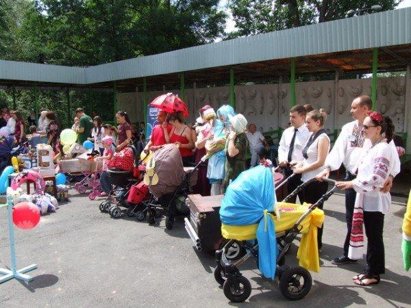 У Рівному відбувся перший парад дитячих візочків (ФОТО, ВІДЕО), фото-5