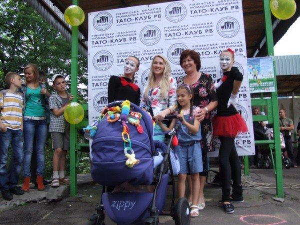 У Рівному відбувся перший парад дитячих візочків (ФОТО, ВІДЕО), фото-8