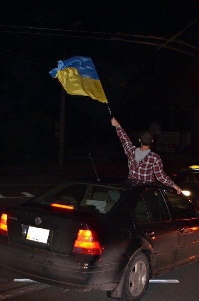 Як тернополяни вночі святкували перемогу збірної України (фото), фото-8