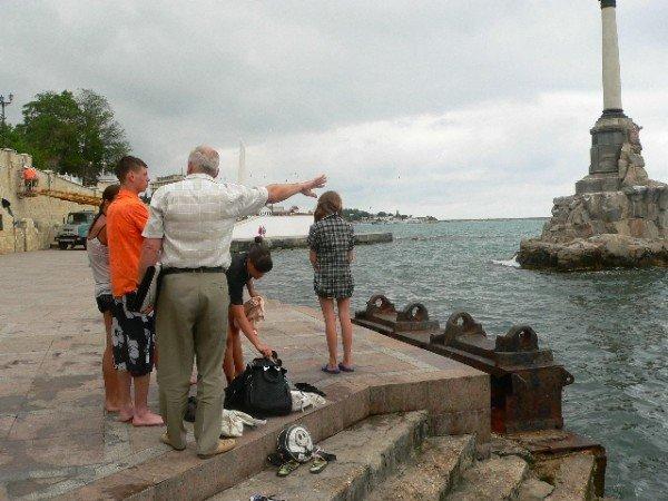 Севастопольские спасатели запретили купаться у Памятника затопленным кораблям (ФОТО), фото-2