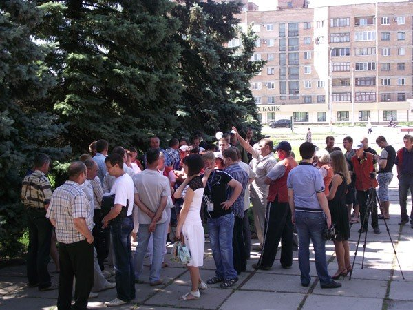 Под стенами городского совета работники КП «Простор» требовали зарплату за три месяца, фото-2