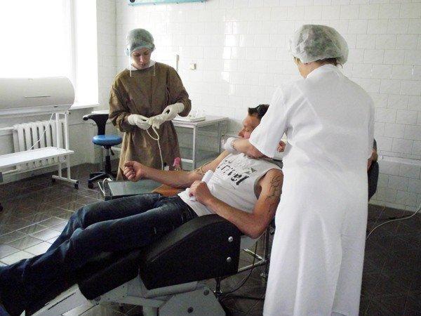 В День донора десятки горловчан подарили свою кровь, фото-2