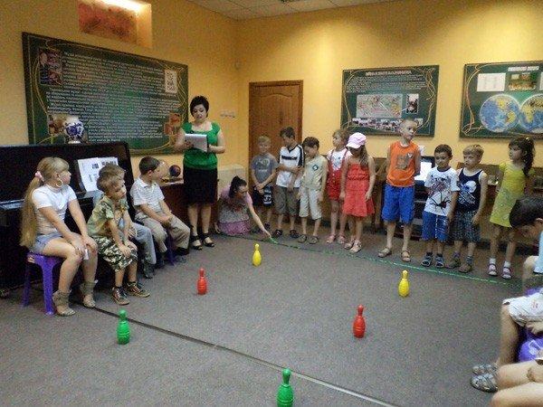 Дети занимались спортом… в горловском музее миниатюрной книги, фото-1