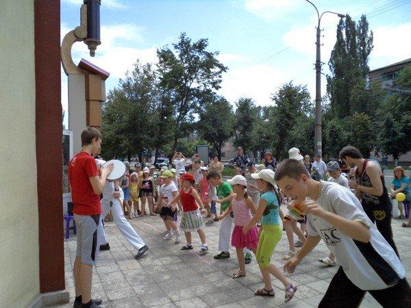 Дети занимались спортом… в горловском музее миниатюрной книги, фото-6
