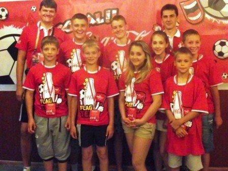 Юные футболисты из Горловки стали знаменосцами в матче Евро-2012 Англия-Франция, фото-1
