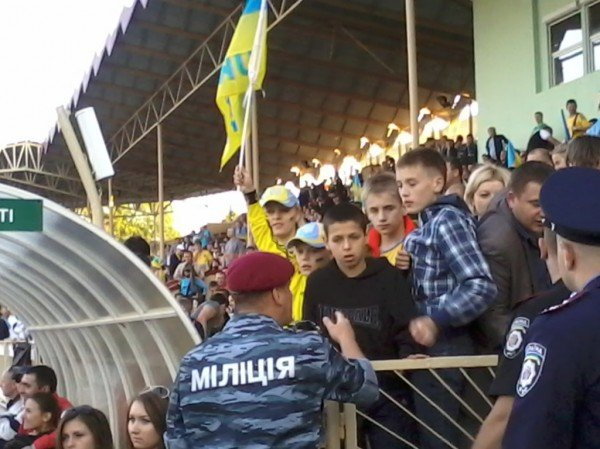Тернополяни почали покидати фан-зону ще до завершення матчу України та Франції (фото), фото-5