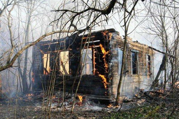 Під Чортковом згоріли дві старенькі сестри, рятуючи п'ятьох онуків, фото-1