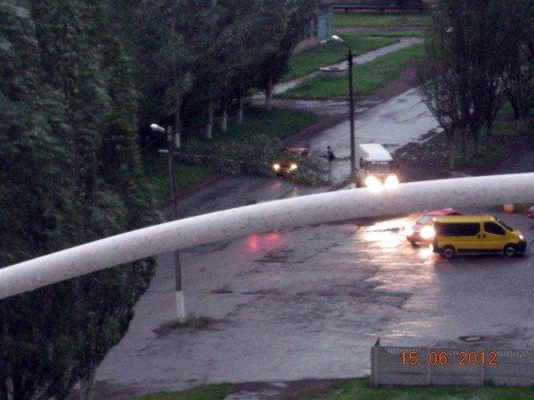 В Горловке борются с последствиями стихии, фото-1