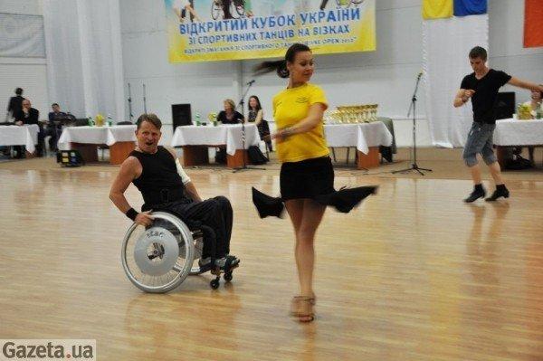 У Рівному танго на візках виграли чемпіони світу (ФОТО), фото-1