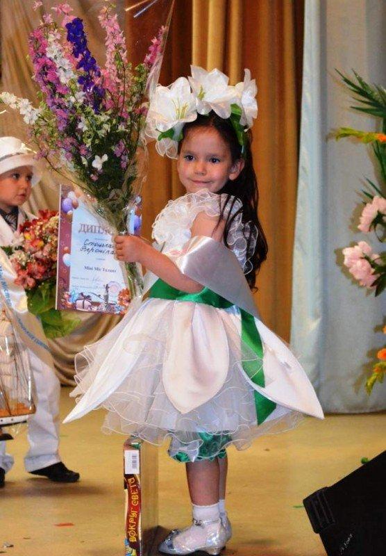 У Житомирі відбулся конкурс краси та талантів «Міні-міс Перлинка та Міні-містер Діамантик – 2012», фото-3