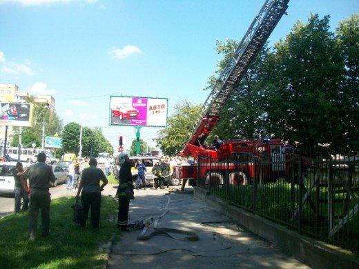 Хто у Рівному підпалив захламлений балкон, ще невідомо, фото-1