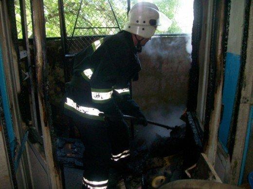 Хто у Рівному підпалив захламлений балкон, ще невідомо, фото-3