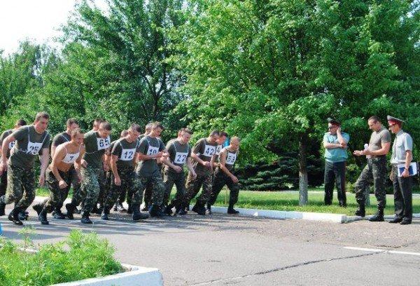 У Рівному військовослужбовці змагаються за першість з фізичної підготовки (ФОТО), фото-2